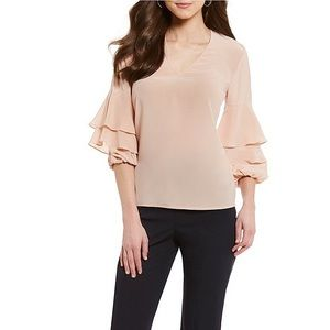 New!! 🆕✅ Antonio Melani blush top Bell Sleeves